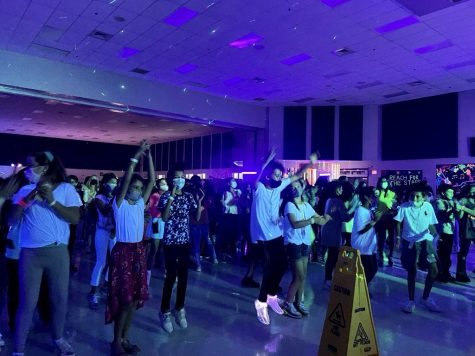 FCMS 6th Grade Students moving to the beat at Friday nights dance!